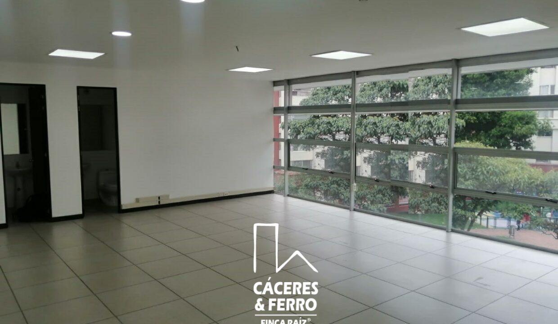 CaceresyFerro-Inmobiliaria-CyF-Noroccidente-La-Castellana-Oficina-Comercial-22431-10 [Logo]
