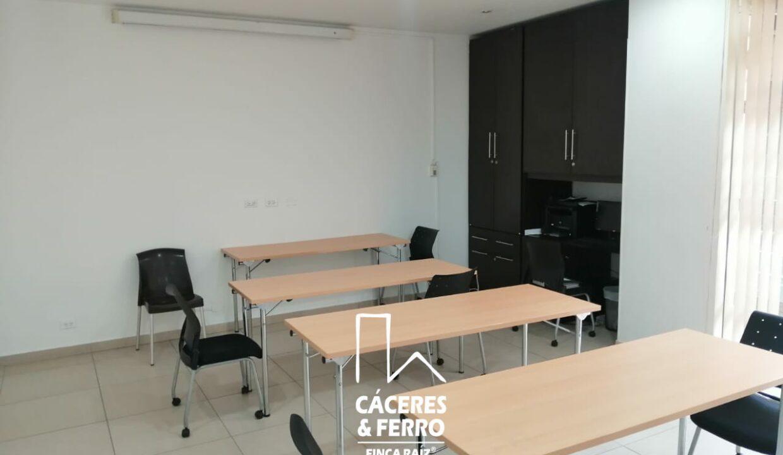 CaceresyFerro-Inmobiliaria-CyF-Noroccidente-La-Castellana-Oficina-Comercial-22431-11 [Logo]