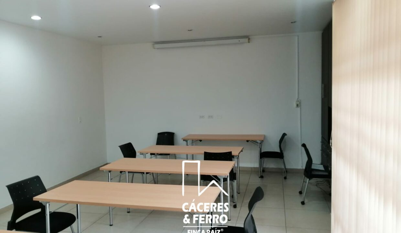 CaceresyFerro-Inmobiliaria-CyF-Noroccidente-La-Castellana-Oficina-Comercial-22431-12 [Logo]