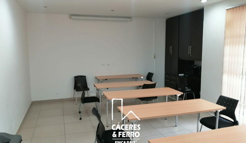 CaceresyFerro-Inmobiliaria-CyF-Noroccidente-La-Castellana-Oficina-Comercial-22431-13 [Logo]