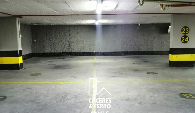 CaceresyFerro-Inmobiliaria-CyF-Noroccidente-La-Castellana-Oficina-Comercial-22431-15 [Logo]