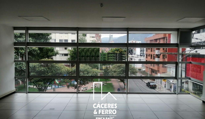 CaceresyFerro-Inmobiliaria-CyF-Noroccidente-La-Castellana-Oficina-Comercial-22431-3 [Logo]
