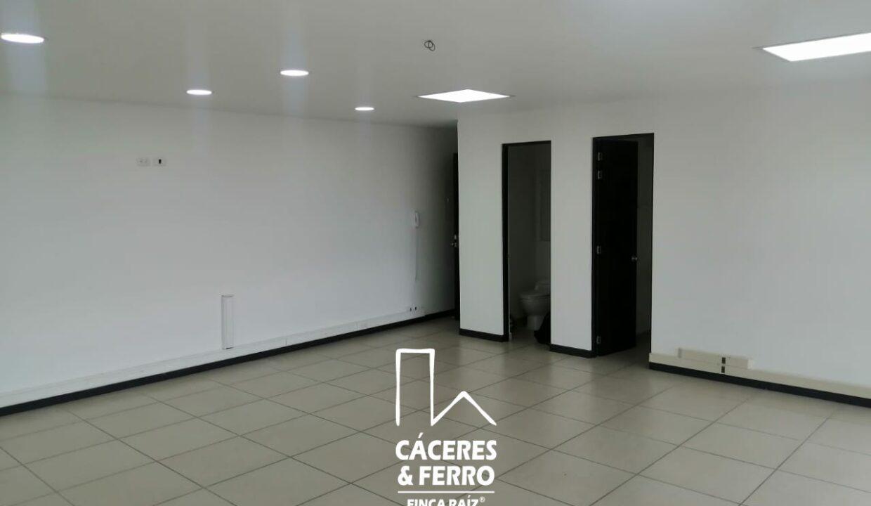 CaceresyFerro-Inmobiliaria-CyF-Noroccidente-La-Castellana-Oficina-Comercial-22431-5 [Logo]
