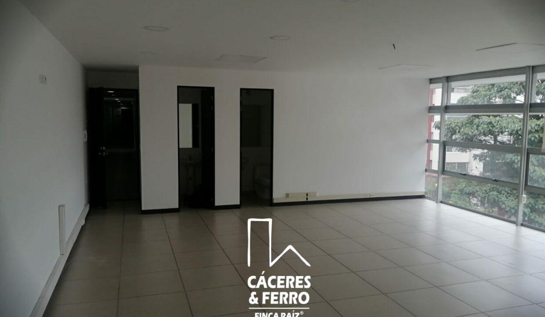 CaceresyFerro-Inmobiliaria-CyF-Noroccidente-La-Castellana-Oficina-Comercial-22431-9 [Logo]