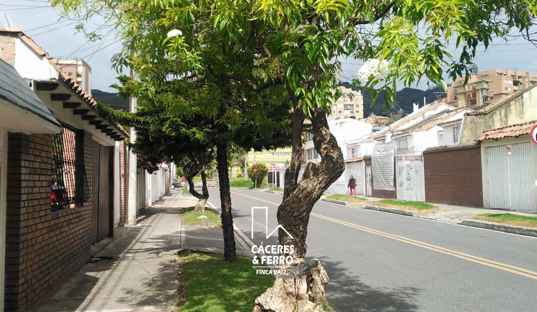 CaceresyFerroInmobiliaria-Caceres-Ferro-Inmobiliaria-CyF-Usaquen-Cedritos-Casa-Venta-22644-2