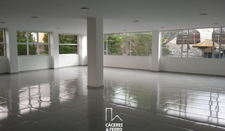 CaceresyFerroInmobiliaria-Caceres-Ferro-Inmobiliaria-CyF-Engativa-Edificio-Arriendo-22688-22