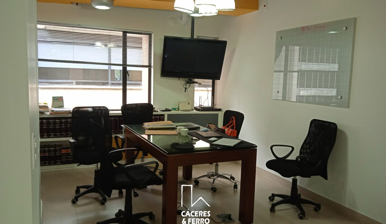 CaceresyFerroInmobiliaria-Caceres-Ferro-Inmobiliaria-CyF-Usaquen-Chico-Norte-Oficina-Comercial-Arriendo-22710-4