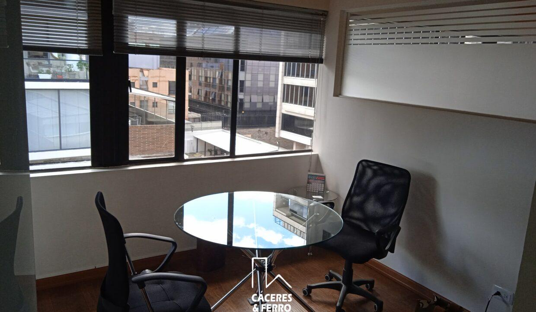 CaceresyFerroInmobiliaria-Caceres-Ferro-Inmobiliaria-CyF-Usaquen-Chico-Norte-Oficina-Comercial-Arriendo-22710-8